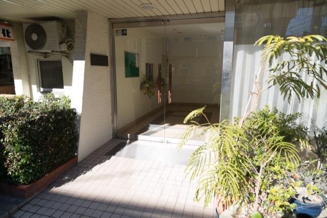 東急ロワール駒沢のエントランス
