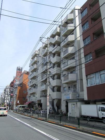 ルックハイツ北新宿弐番館の外観