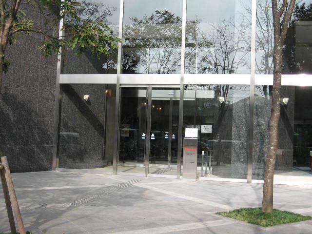 グランアルト加賀のエントランス