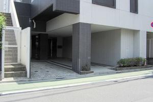 ダイナシティ西新宿のエントランス