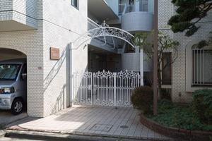 ドウエル東高円寺のエントランス