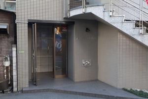 アーバネスト駒沢のエントランス