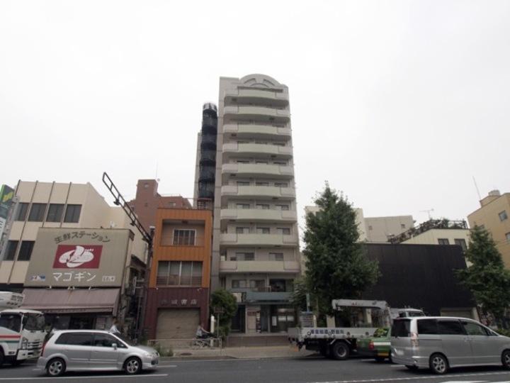ラポール本蓮沼駅前の外観