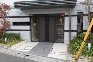 エクセレントシティ駒沢大学レジデンスのエントランス