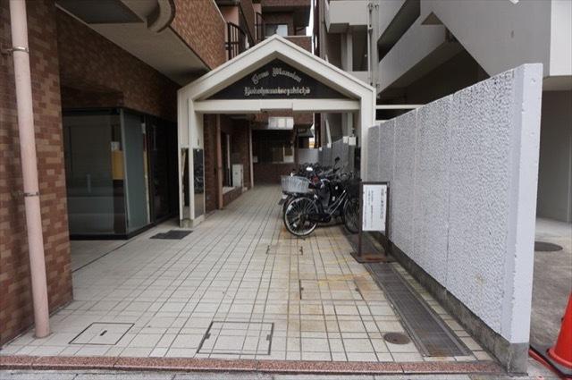 ライオンズマンション横浜伊勢佐木町のエントランス