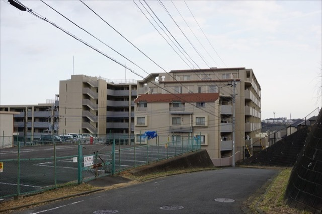 コスモヒルズ横浜ウエストの外観