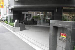 ハイホーム墨田百花園ブロードパークのエントランス