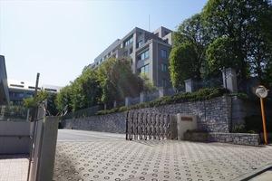 麻布霞町パークマンションの外観
