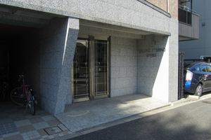 ヴァローレエテルノ西早稲田のエントランス