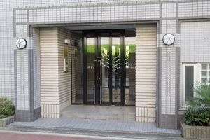 ジュール東高円寺のエントランス