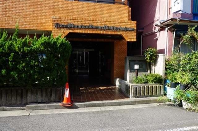ライオンズマンション大前西横浜のエントランス