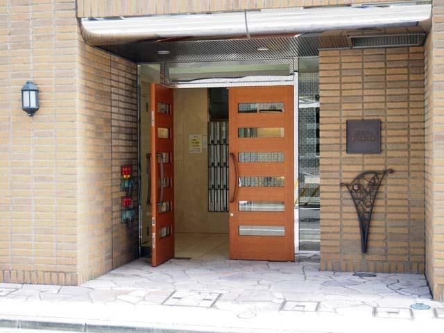 ナビウス東日本橋1番館のエントランス