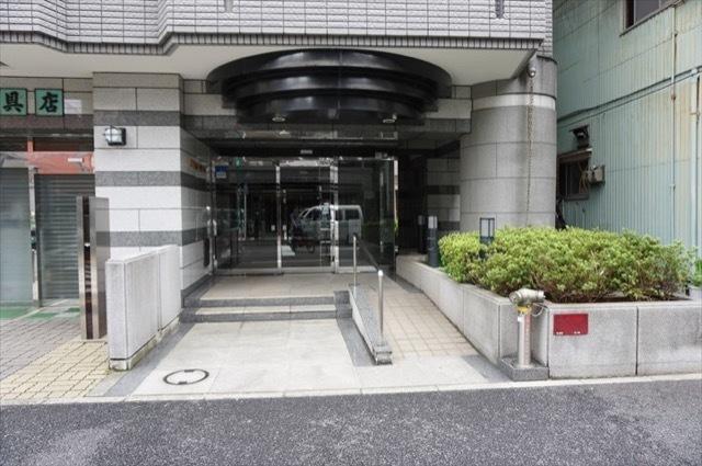 リブゼ横浜平沼モールのエントランス