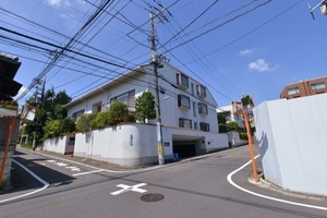 朝日池田山ホームの外観