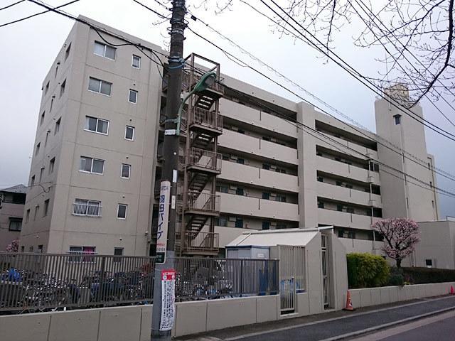 東蒲田サンハイツの外観