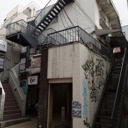 プラザ高円寺(22番地)