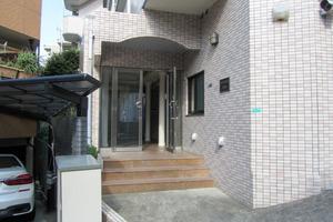 モアエミネンス西新宿のエントランス