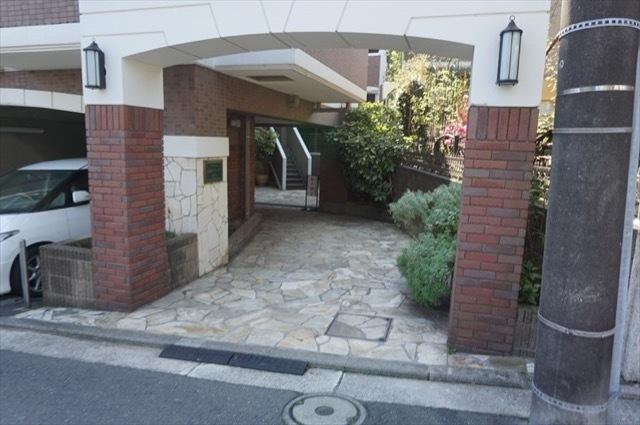 グランシティ横浜テラッツア睦町のエントランス
