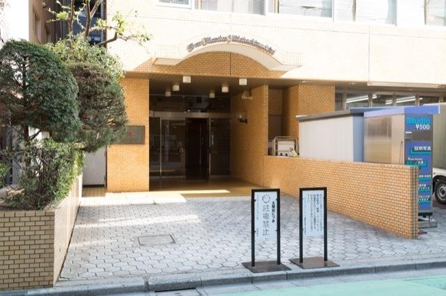 ライオンズマンション三鷹駅前通り名取屋興産ビルのエントランス