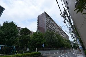 大森駅前住宅(1号棟・2号棟)の外観