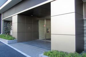 ザパークハウス渋谷美竹のエントランス