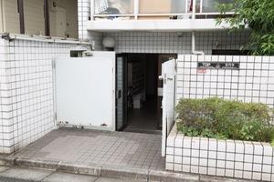 トップ高円寺のエントランス