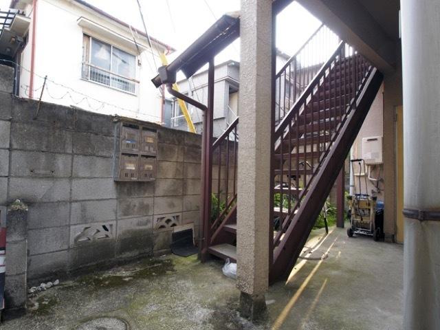 弥生コーポ(板橋区)のエントランス