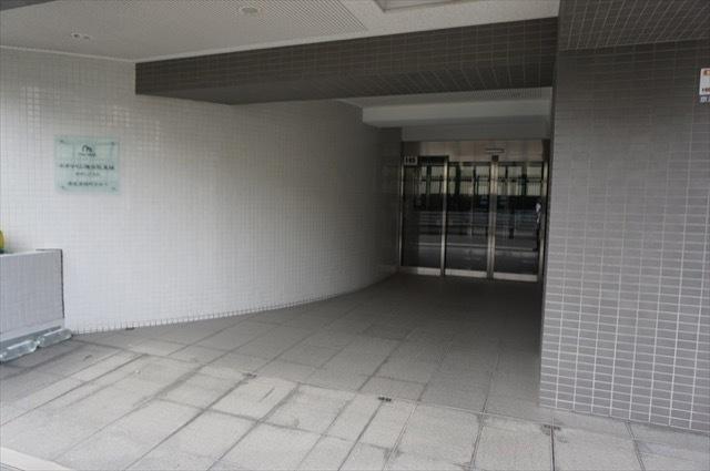 ネオマイム横浜阪東橋サザンプラスのエントランス