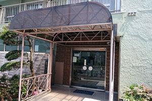 多摩川フラワーマンションのエントランス