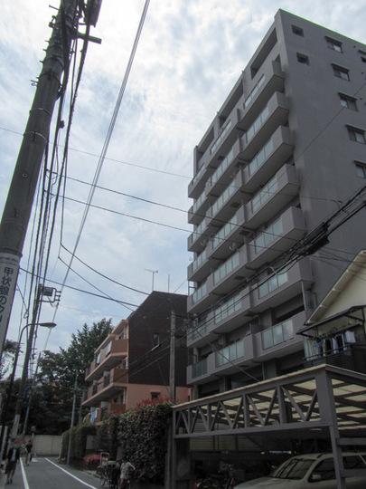 アールヴェール新宿河田町の外観