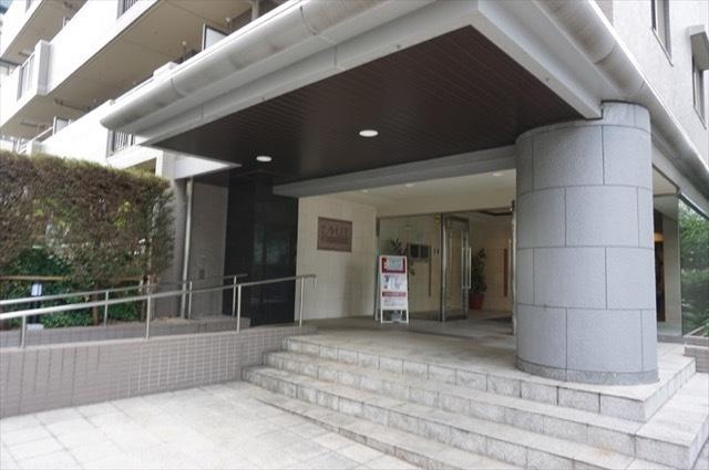 シャリエ横浜ベイグランデのエントランス