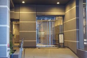日本橋箱崎ハイツのエントランス