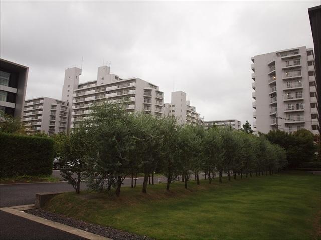ファミリータウン東陽(A〜N棟)の外観