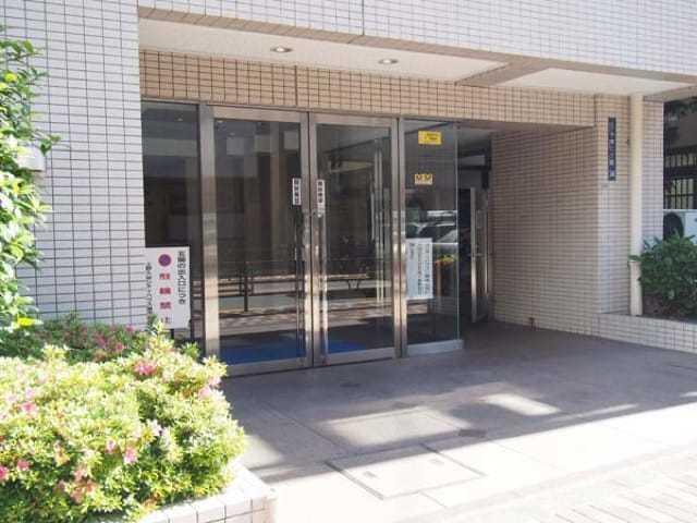 上野入谷シティハウスのエントランス