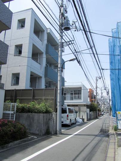 スカイコート新宿弐番館の外観
