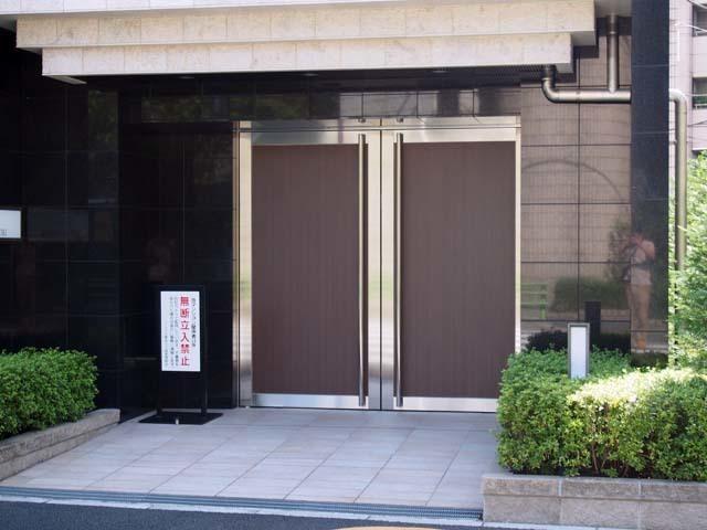 プレシス東京八丁堀のエントランス