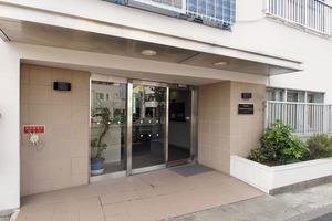 タカシマ志村マンションのエントランス