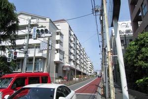 北新宿パークハイツの外観