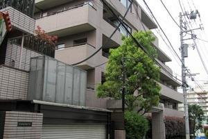 クリオ新宿西戸山壱番館の外観
