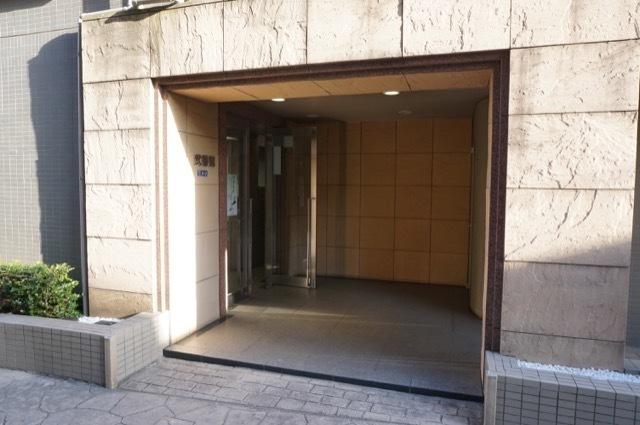 ヴェルナード大倉山2番館のエントランス