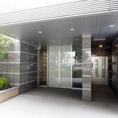 ガーデングラス板橋本町のエントランス
