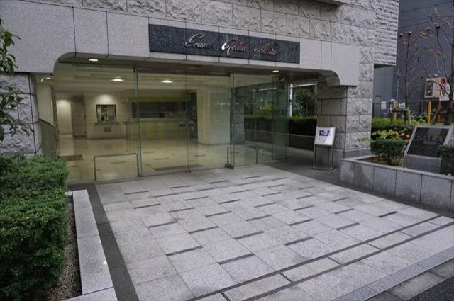 グランドガーラ三田のエントランス