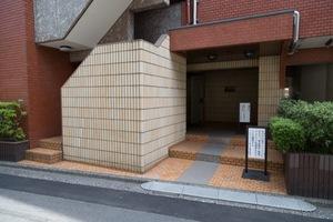 キャニオンマンション第3中村橋のエントランス