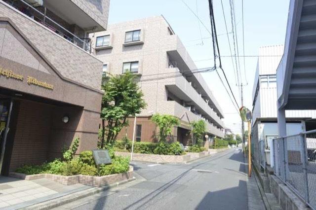 ライオンズマンション一之江壱弐番館の外観