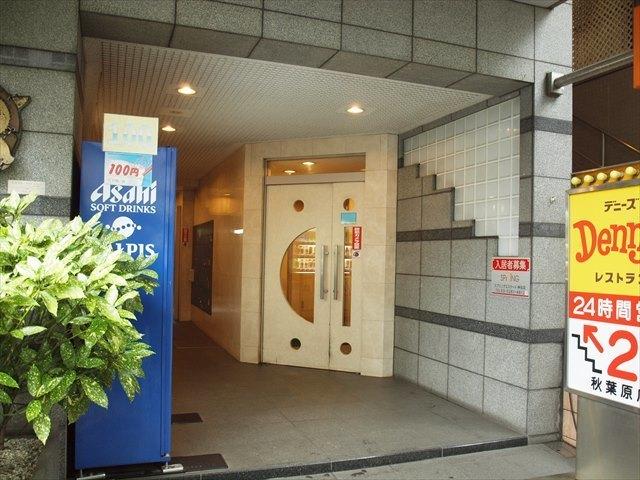メインステージ秋葉原駅前のエントランス