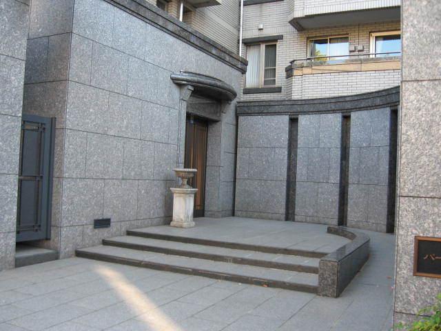 パークハウス神宮前のエントランス