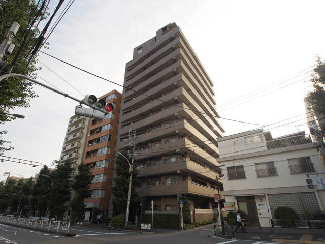 コスモ文京本駒込の外観