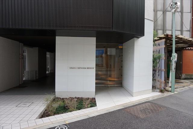 クレイシア五反田駅前のエントランス