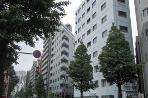 新宿ナショナルコートの外観
