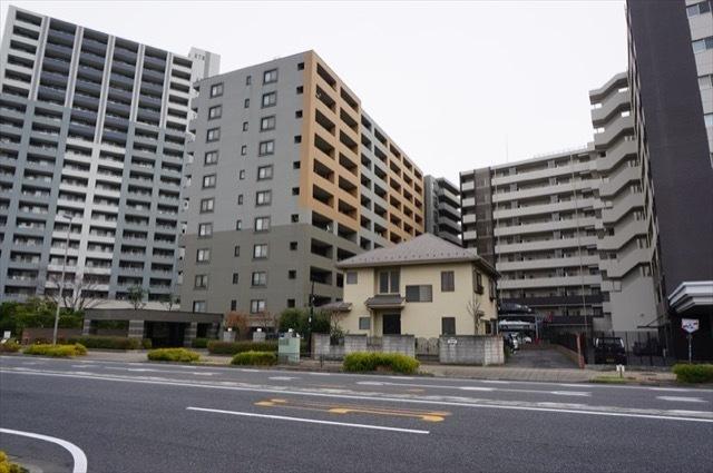 クレストフォルム横浜グランイーストの外観